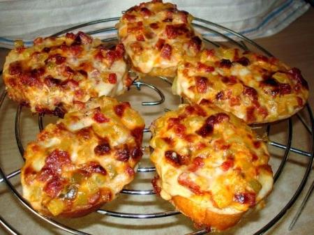 рецепт с фото мини пицца на батоне рецепт с фото